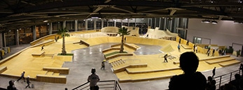 Skatepark Indoor de Marseille - Aire de Street - Wood Structure - Fabricant de Skatepark depuis 1990