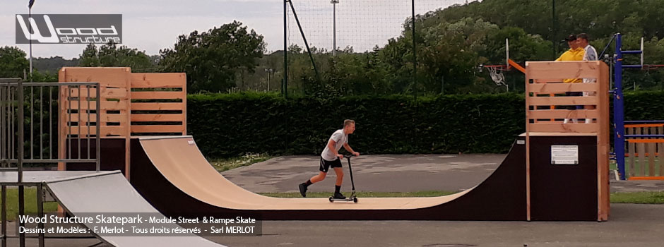 Rampe Skatepark de Neufchâtel-Hardelot (62) Haut-de-France - Rampe Skate H120L366 fabriquée par Wood Structure et la Sarl MERLOT Richelieu (37) - Concepteur et fabricant de Skatepark depuis 1990