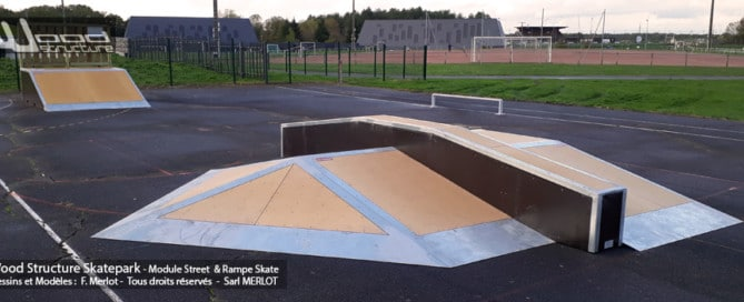 Skatepark de Loches (37) - Indre-et-Loire - Touraine - Centre-Val-de-Loire - Module et Rampe Skate - Fabriqué par Wood Structure et la Sarl MERLOT Richelieu (37) - Concepteur et fabricant de Skatepark depuis 1990