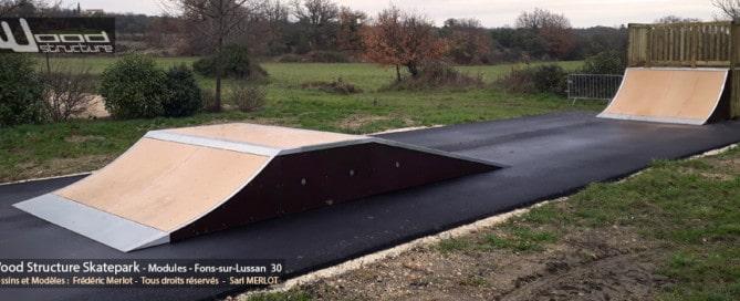 Skatepark de Fons-sur-Lussan (30) - Gard - Occitanie - Module et Rampe Skate - Fabriqué par Wood Structure et la Sarl MERLOT Richelieu (37) - Concepteur et fabricant de Skatepark depuis 1990