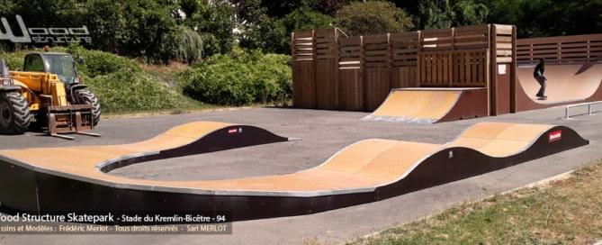 Module Pumptrack Skatepark de Kremlin-Bicêtre - Val-de-Marne (94) Ile-de-France - Module et Rampe Skate fabriqué par Wood Structure et la Sarl MERLOT Richelieu (37) - Concepteur et fabricant de Skatepark depuis 1990