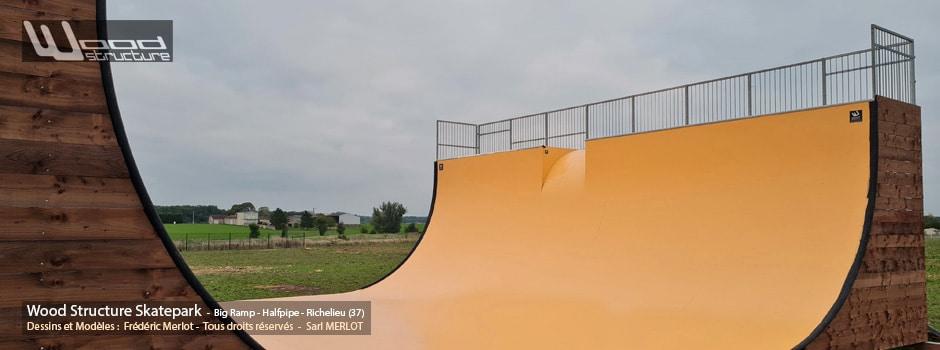 Big Ramp - Halfpipe à Richelieu (37) - Wood Structure's private big ramp - Big rampe privée - Fabriqué par Wood Structure et la Sarl MERLOT Richelieu (37) - Concepteur et fabricant de Skatepark depuis 1990